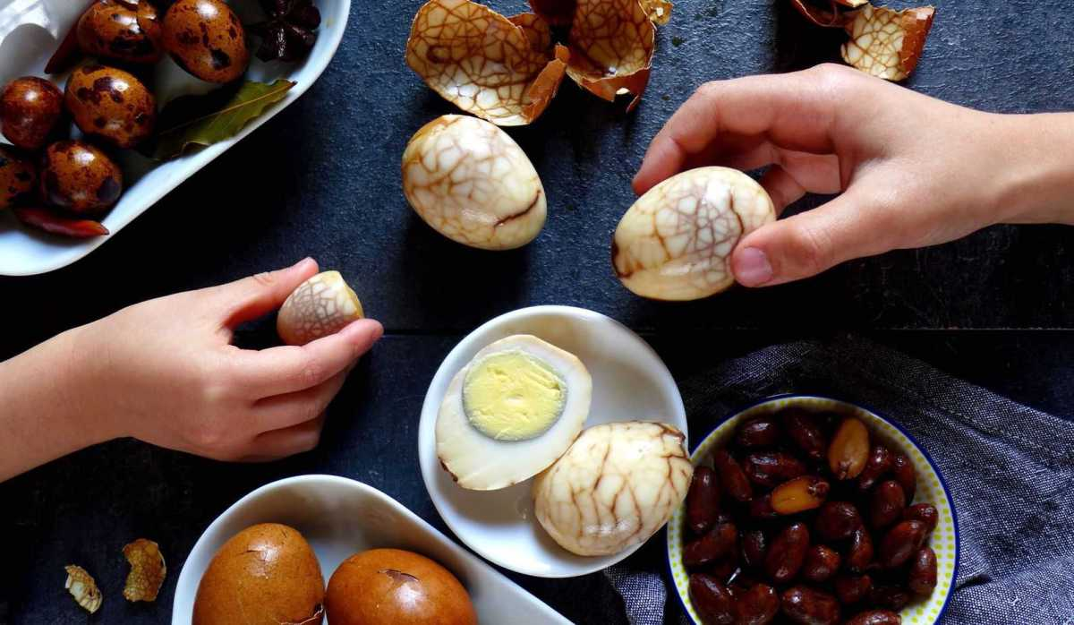Marbled tea eggs – two versions (茶叶蛋)